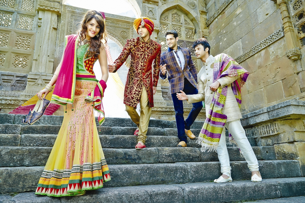 Traditional Dresses and Fashion Culture across different Indian States